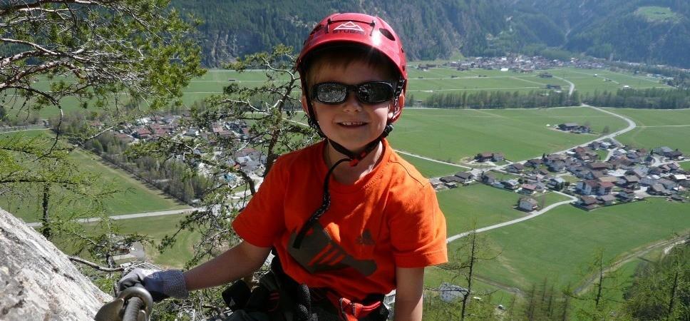 http://www.x-alptours.at/wp-content/uploads/2014/03/Lehner-Wasserfall-Klettersteig-mit-Bergfuehrer-13-968x450.jpg