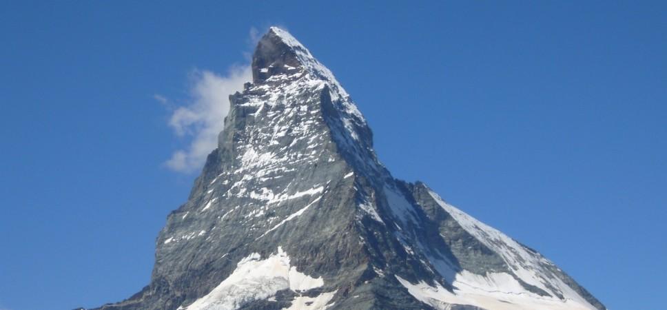 http://www.x-alptours.at/wp-content/uploads/2014/03/Matterhorn-Hoernligrat-mit-Bergfuehrer-3-968x450.jpg