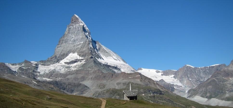 http://www.x-alptours.at/wp-content/uploads/2014/03/Matterhorn-Hoernligrat-mit-Bergfuehrer-7-968x450.jpg