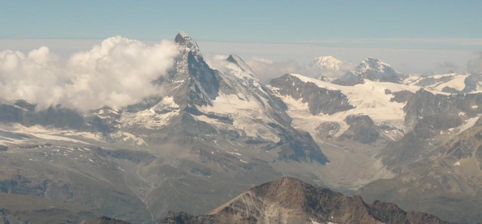 http://www.x-alptours.at/wp-content/uploads/2014/03/Matterhorn-Hoernligrat-mit-Bergfuehrer-9-968x450.jpg