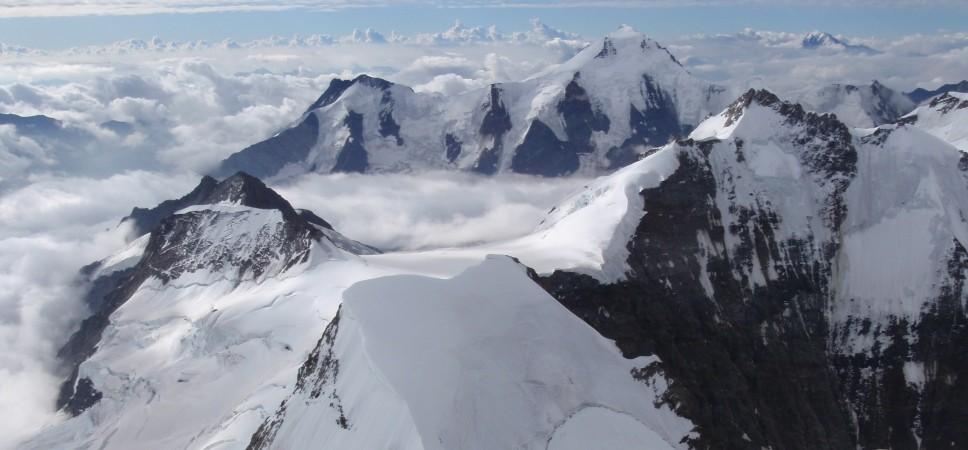http://www.x-alptours.at/wp-content/uploads/2014/03/Moench-Jungfrau-mit-Bergfuehrer-7-968x450.jpg