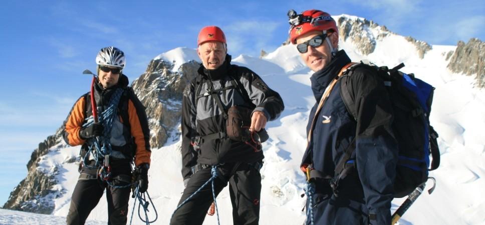 http://www.x-alptours.at/wp-content/uploads/2014/03/Mont-Blanc-mit-Bergfuehrer-15-968x450.jpg