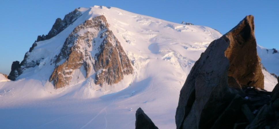 http://www.x-alptours.at/wp-content/uploads/2014/03/Mont-Blanc-mit-Bergfuehrer-18-968x450.jpg
