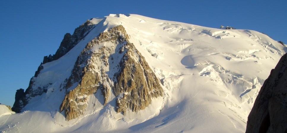 http://www.x-alptours.at/wp-content/uploads/2014/03/Mont-Blanc-mit-Bergfuehrer-19-968x450.jpg