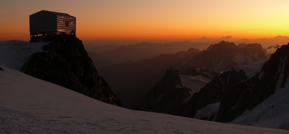 http://www.x-alptours.at/wp-content/uploads/2014/03/Mont-Blanc-mit-Bergfuehrer-20-968x450.jpg