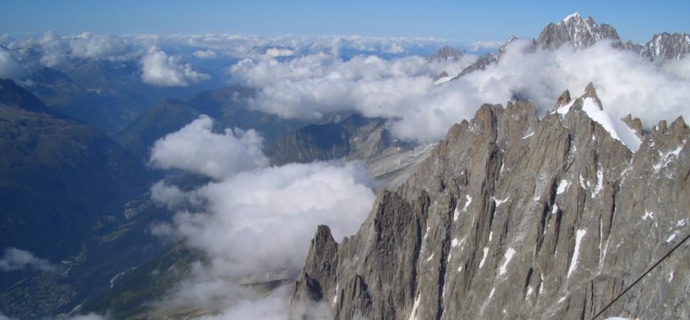 http://www.x-alptours.at/wp-content/uploads/2014/03/Mont-Blanc-mit-Bergfuehrer-26-968x450.jpg