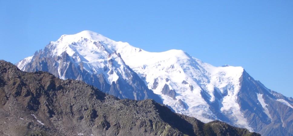 http://www.x-alptours.at/wp-content/uploads/2014/03/Mont-Blanc-mit-Bergfuehrer-27-968x450.jpg