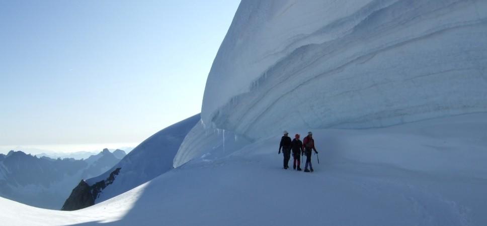 http://www.x-alptours.at/wp-content/uploads/2014/03/Mont-Blanc-mit-Bergfuehrer-3-968x450.jpg