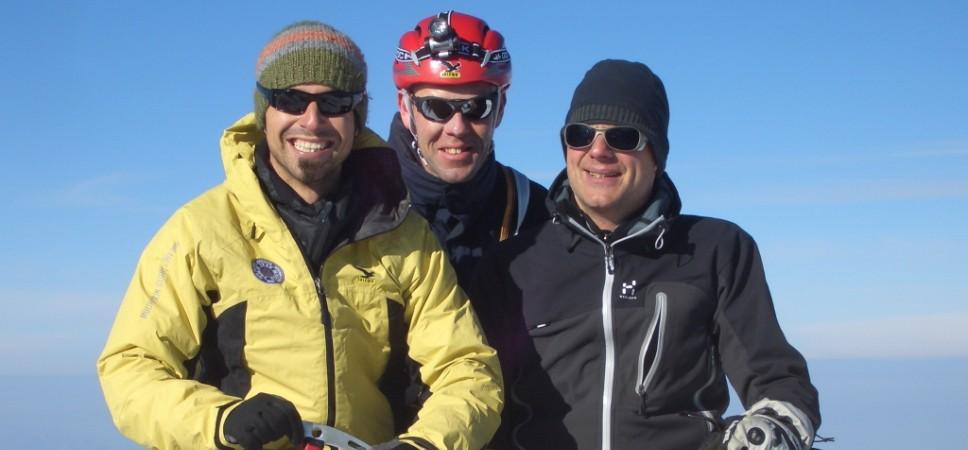 http://www.x-alptours.at/wp-content/uploads/2014/03/Mont-Blanc-mit-Bergfuehrer-6-968x450.jpg