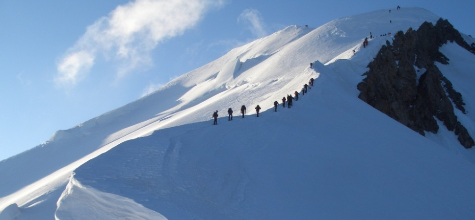 http://www.x-alptours.at/wp-content/uploads/2014/03/Mont-Blanc-mit-Bergfuehrer-7-968x450.jpg