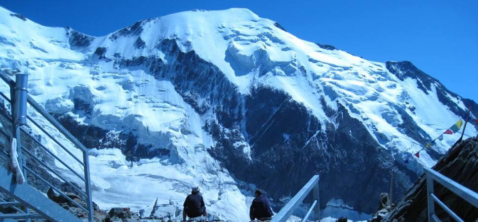http://www.x-alptours.at/wp-content/uploads/2014/03/Mont-Blanc-mit-Bergfuehrer-9-968x450.jpg