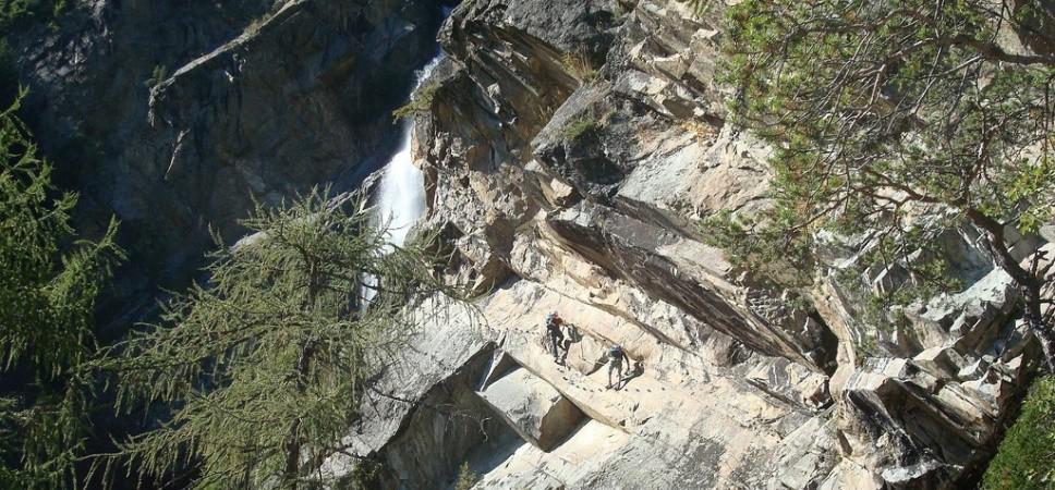 http://www.x-alptours.at/wp-content/uploads/2015/01/Lehner-Wasserfall-Klettersteig-mit-Bergfuehrer-7-968x450.jpg