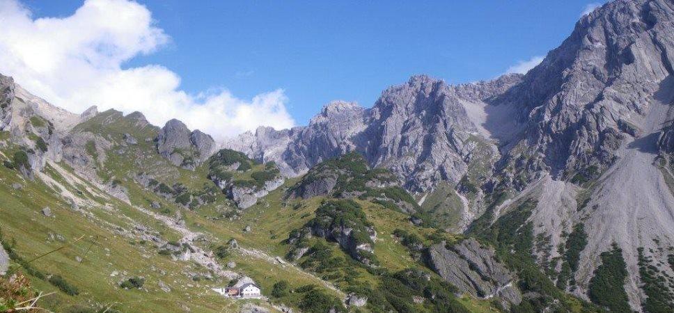 http://www.x-alptours.at/wp-content/uploads/2015/01/Maldonkopf-Hoch-Imst-Klettersteig-mit-Bergfuehrer-11-968x450.jpg