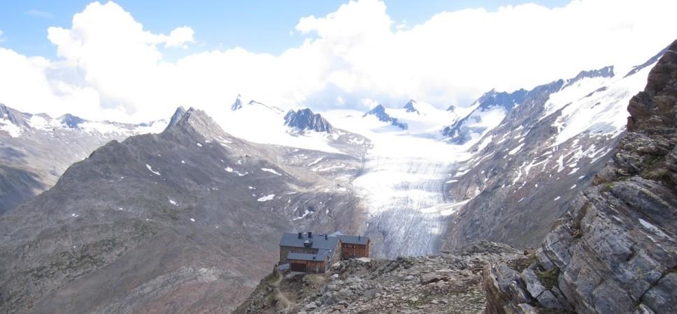 http://www.x-alptours.at/wp-content/uploads/2015/02/Gletscherflohmarsch-Ötztal1-968x450.jpg
